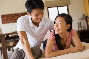 Vợ chồng tôi rất hợp nhau ở cuộc sống, vợ tôi tính cách cũng hơi trẻ con, giờ làm mẹ cũng đã bớt đi rất nhiều, cô ấy biết thông cảm và luôn chia sẻ với chồng. (Ảnh minh họa)